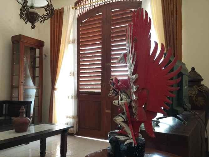 LOBBY Simple Room at Pawiro Griyo near Pawon Temple