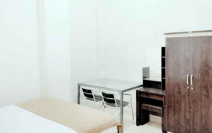 Aza Guest House Makassar - Standard Room