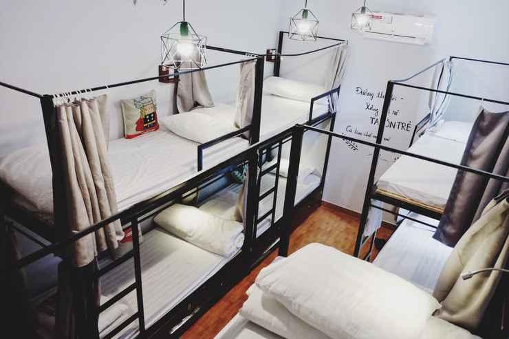 BEDROOM Zi Coffee & Hostel
