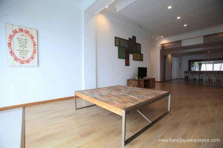 LOBBY Pleasant Stay Full House at KJ Villa Bandungan