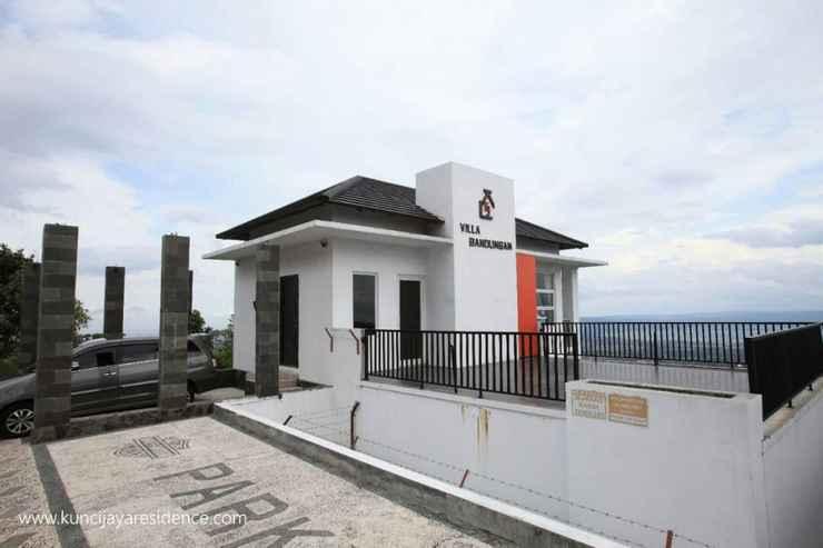 EXTERIOR_BUILDING Pleasant Stay Full House at KJ Villa Bandungan