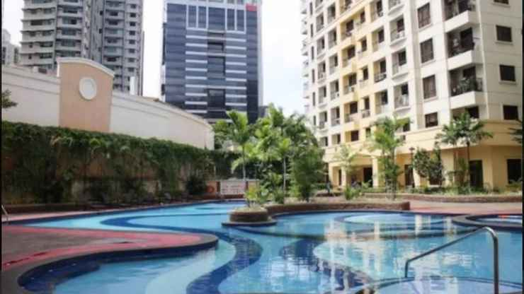 SWIMMING_POOL Condo at Forbeswood Heights BGC