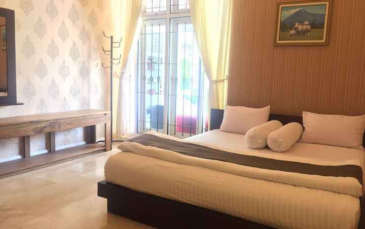 Spacious Room at Londres Bed and Breakfast Jogja Yogyakarta - London