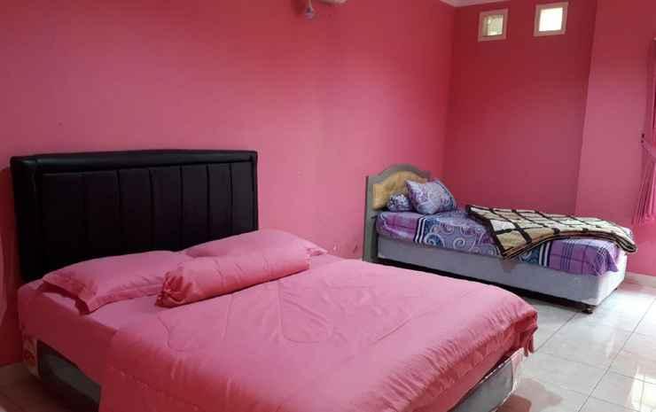 Zevannya Villa Queen Victorian Kota Bunga Puncak - 3 Bedrooms