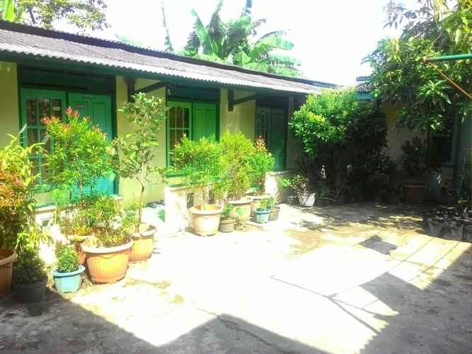 EXTERIOR_BUILDING Affordable Room at Wisma Ketapang Hostel Cilacap