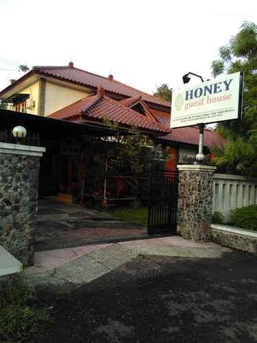 EXTERIOR_BUILDING Comfy Room at HONEY guesthouse Syariah