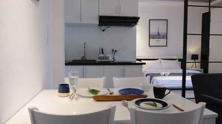 BEDROOM White Home