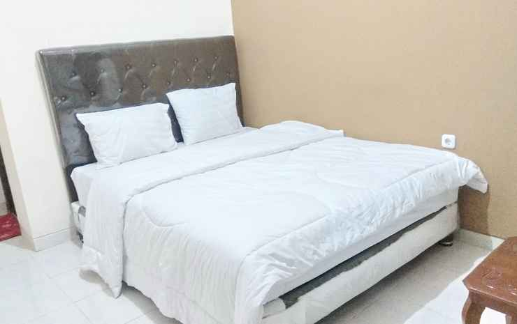 Greenhouse Exclusive Tegalwaras Yogyakarta - Deluxe AC (max check in 22.00)