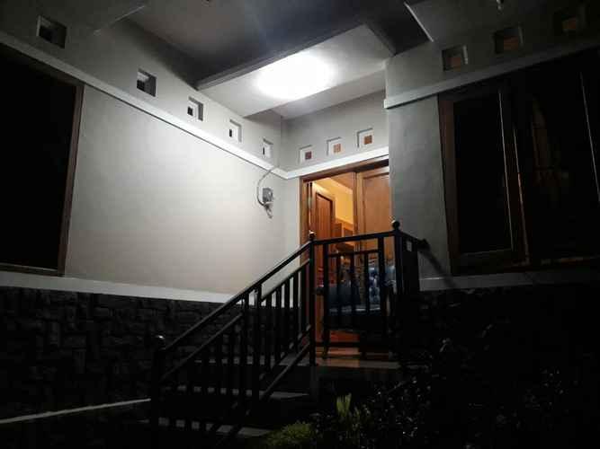 EXTERIOR_BUILDING Homy Room at Homestay Cemara 7