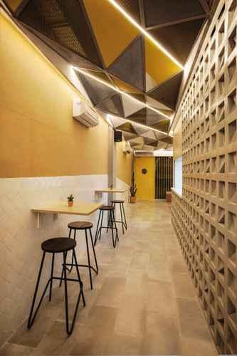 BAR_CAFE_LOUNGE Konko Hostel Jakarta