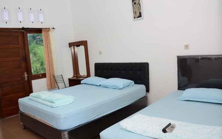 Cozy Room at Wisma Theresia Bandungan Semarang - Family Room (MAX CHECK IN 22.00)