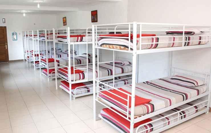 Cozy Room at Wisma Theresia Bandungan Semarang - Dormitory 15 pax (MAX CHECK IN 22.00)
