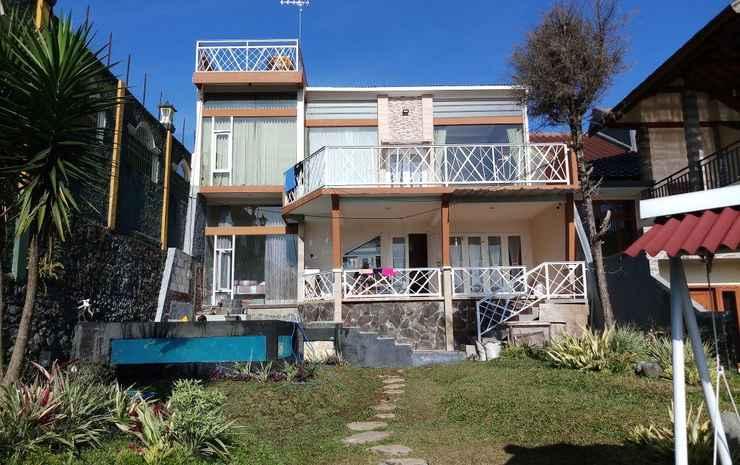 Villa Rafasa Batu - Four Bedroom Malang - Four Bedroom