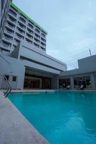 SWIMMING_POOL Manila Prince Hotel