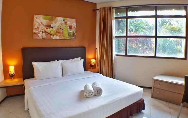 Villa Klub Bunga 4 Bedroom near Jatim Park Malang - 4 Bedroom
