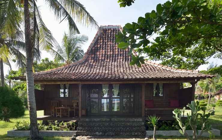 Desa Dunia Beda Beach Resort Lombok - Joglo Villa Beach Front