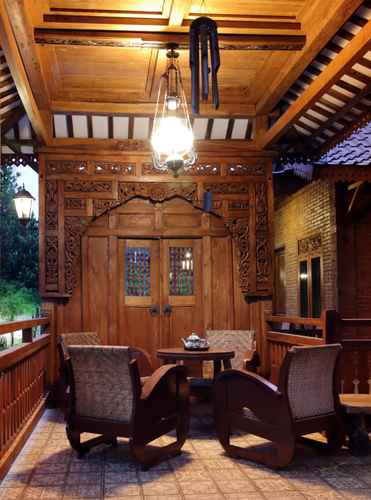 LOBBY Omah Teras Bata Guesthouse
