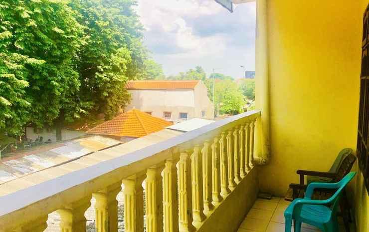 Dharmawati Stay at Surabaya Surabaya - Twin Bed Family Room