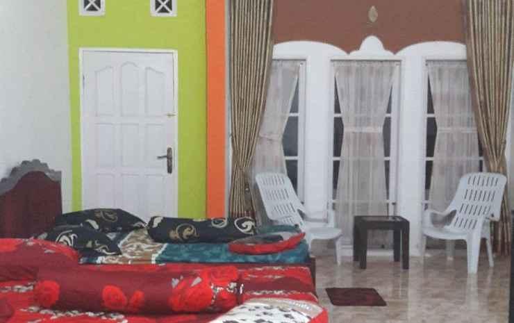 Rumah Gadang Homestay Bukittinggi - Kamar Large Room + Extra Bed (Max Check-in 23.00)