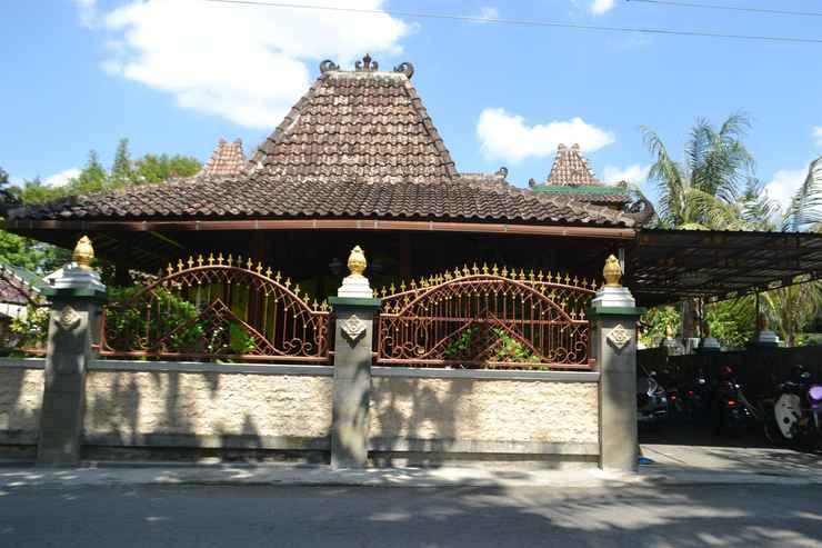 EXTERIOR_BUILDING The Cabin Villa Omah Rubiyah
