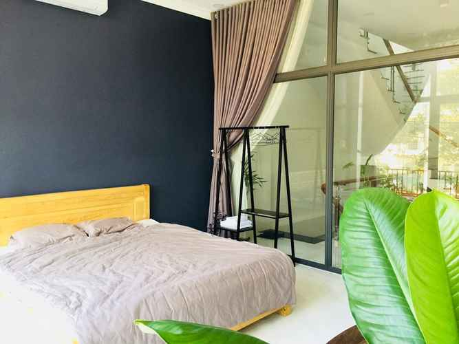 BEDROOM LIM House