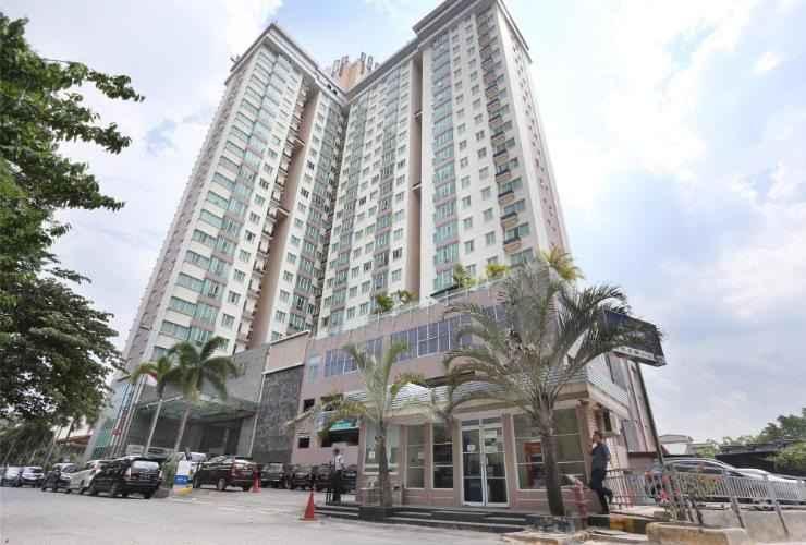 EXTERIOR_BUILDING RestStays BCC Apartment 11