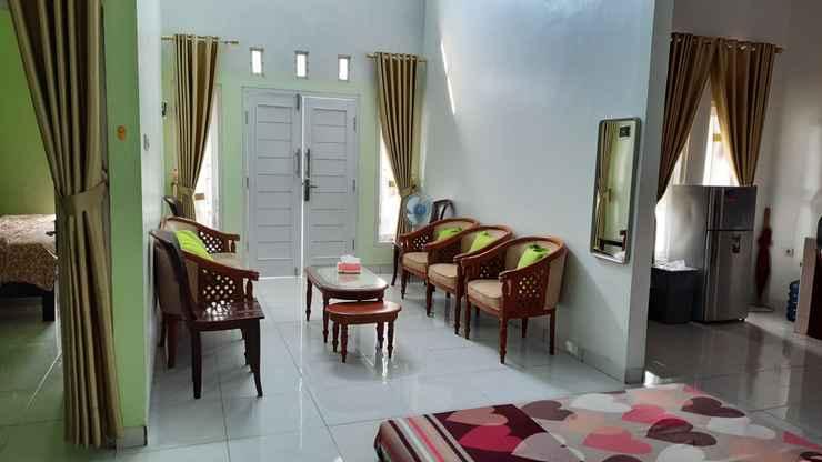 LOBBY Fajri Homestay & Guest House Cilacap