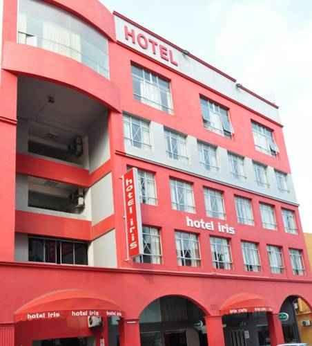 EXTERIOR_BUILDING Hotel Iris And Cafe