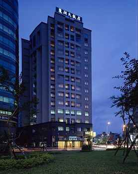 EXTERIOR_BUILDING City Lake Hotel