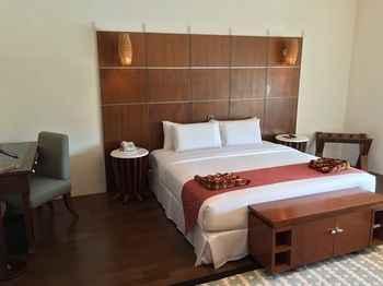 BEDROOM Century Helang Hotel
