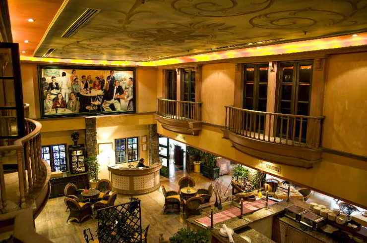 BAR_CAFE_LOUNGE The Apartments at Merdeka Palace Hotel