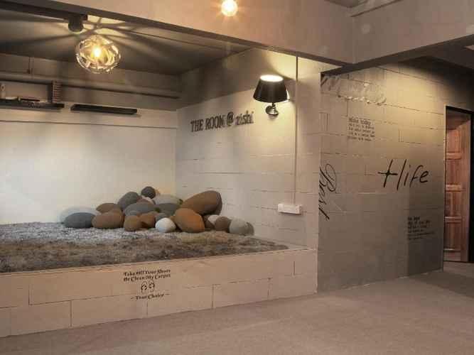 ENTERTAINMENT_FACILITY The Room @ Zishi Hostel