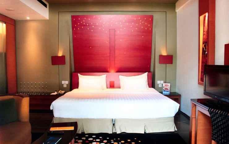 Novotel Palembang Hotel & Residence Palembang - Double Superior Pool View With King Bed