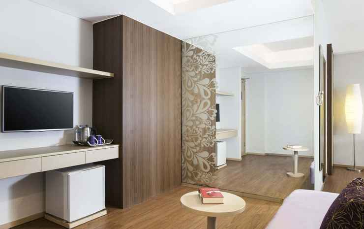 Ibis Styles Bali Benoa Bali - Family Room Family Room With One Queen-size Bed And Living Room