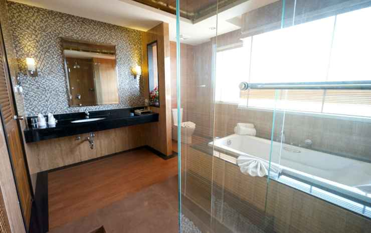 Welcome World Beach Resort & Spa Chonburi - Suite With Jacuzzi