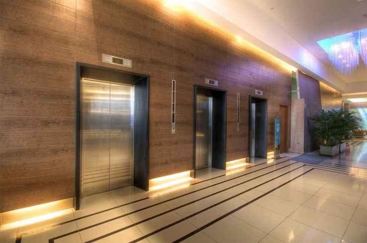 LOBBY Holiday Inn Express MANILA NEWPORT CITY