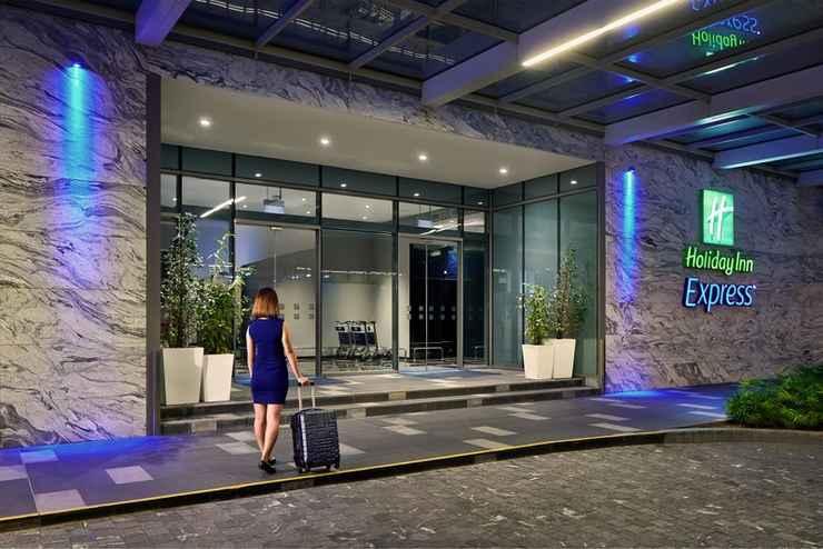 EXTERIOR_BUILDING ฮอลิเดย์อินน์ เอ็กซ์เพรส สิงคโปร์ กาตง (เอสจีคลีน)