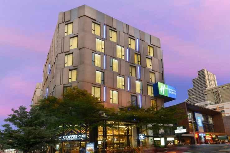 EXTERIOR_BUILDING Holiday Inn Express BANGKOK SUKHUMVIT 11