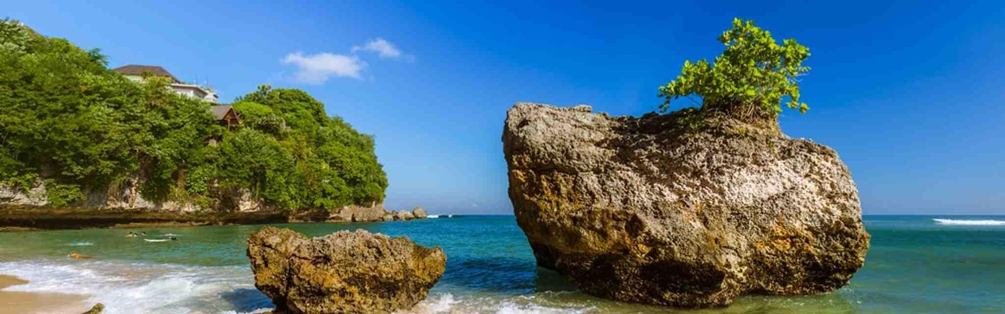 Pantai Padang Padang, Surga Bahari di Pecatu Bali