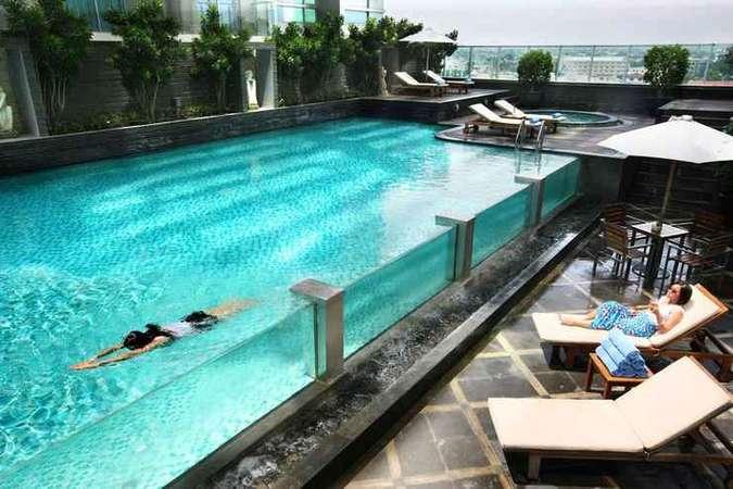 6 Hotel Dengan Infinity Pool Di Medan Terbaik