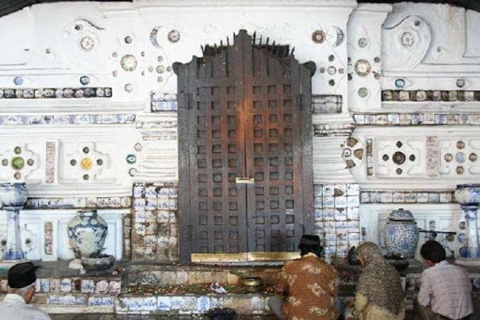 10 Destinasi Ziarah Ramadan Di Nusantara Terpopuler