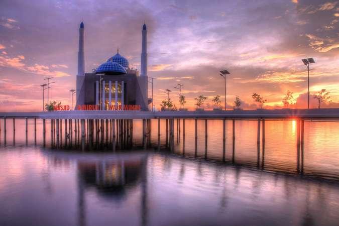 Masjid Amirul Mukminin Flickr - Destinasi Liburan Terbaik Selama Ramadan