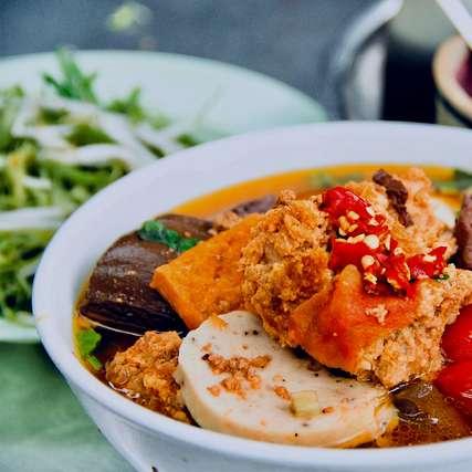 """Cùng nếm """"vị thời gian"""" với những quán có thâm niên ở Sài Gòn, Yang"""