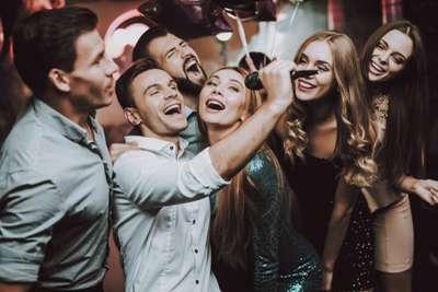 Tips Karaoke Seru dan Tetap Aman di Masa New Normal dari Traveloka Xperience, Traveloka Xperience