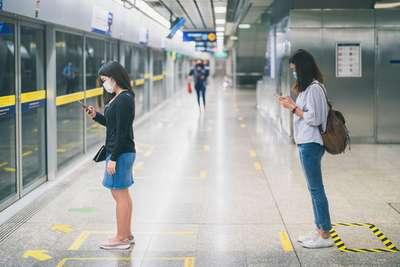 Tips Aman Naik Transportasi Umum Selama New Normal, Traveloka Xperience