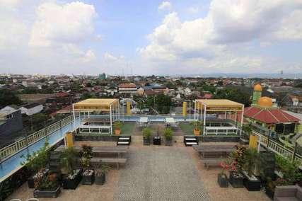 7 Hotel dengan Rooftop Cafe & Restaurant Terbaik di Jogja, Markus Yohannes