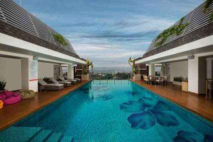 8 Hotel dengan Rooftop Pool Terbaik di Jogja, Markus Yohannes
