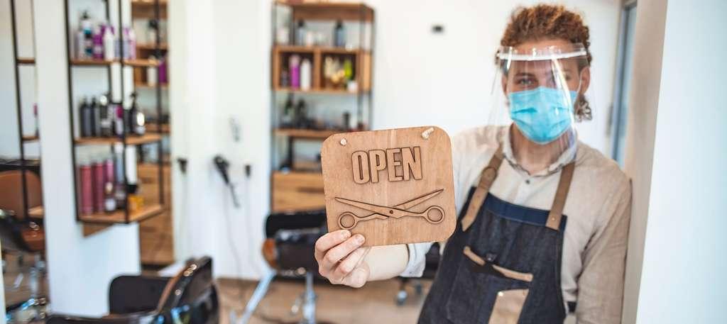 Tips Pertahankan Bisnis Salon di Situasi Sulit, Xperience Team