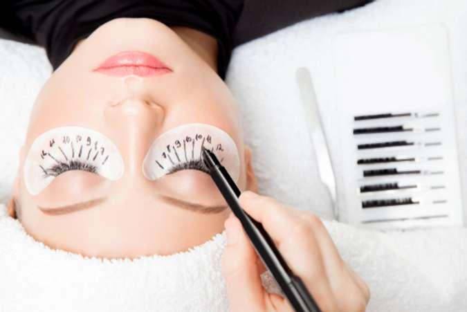 Manfaat & Bahaya Eyelash Extension