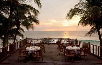 9 Rekomendasi Hotel dengan Akses Langsung ke Pantai di Anyer, Markus Yohannes